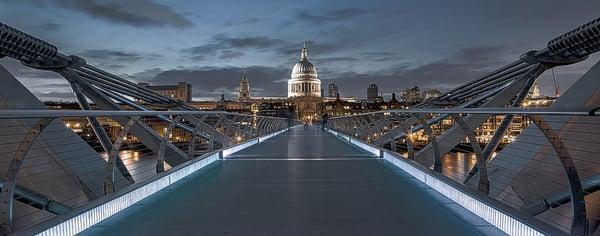 St Paul's Cathedral vista da Millenium Bridge